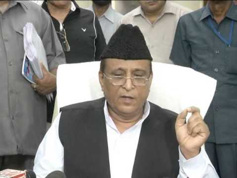 Azam Khan. Media in lucknow