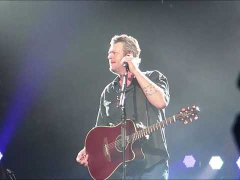blake-shelton---every-time-i-hear-that-song-(dallas,-march-2-2018)