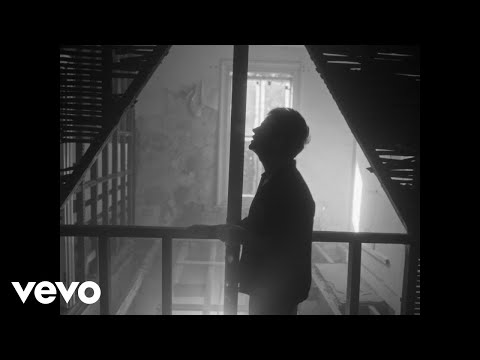 Jamie Cullum - Drink (Official Video)