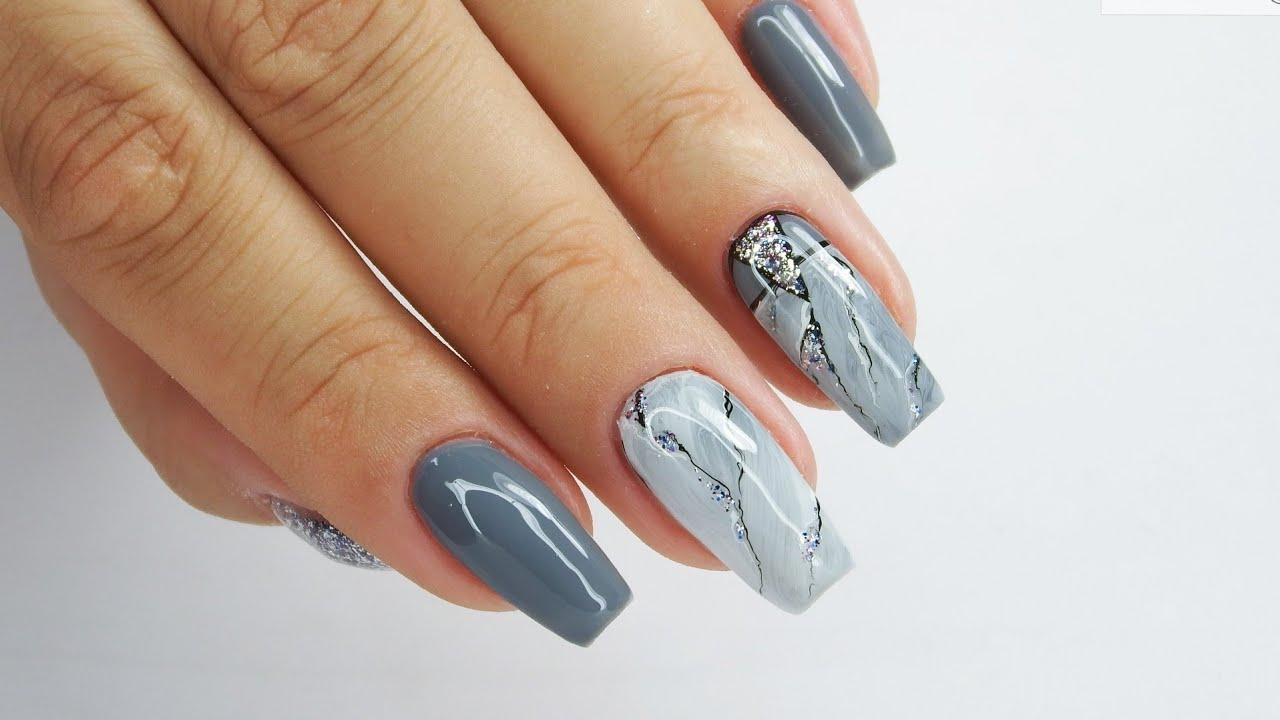 Grey marble nails art / Stardoro