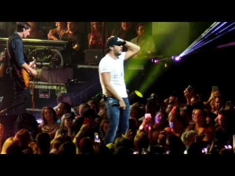 Luke Bryan | Kill The Lights Tour