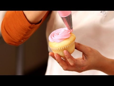 Easy cupcakes for girl baby shower