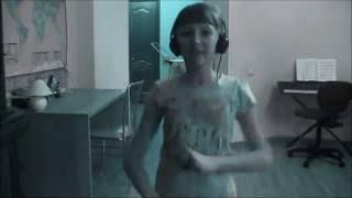 Мой танец))) - Летняя отжига :Р(Музыка - Fly Project ft.Dj KD Division - Лето, солнце, жара (Atlantic Trance Extended Remix 2011) Приятного просмотра! Мне 11 лет, первый раз..., 2012-04-14T11:45:53.000Z)