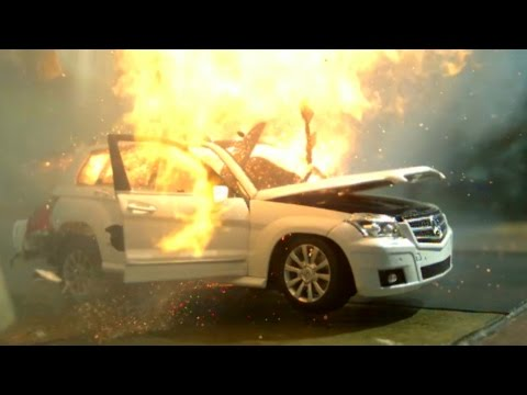 Car Explosion in Slow Motion (Mercedes-Benz GLK 350) - Cool Trick
