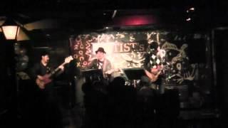 今年(2012年)に結成された「涙涙ず」の初ライブの模様を 一部アップさ...