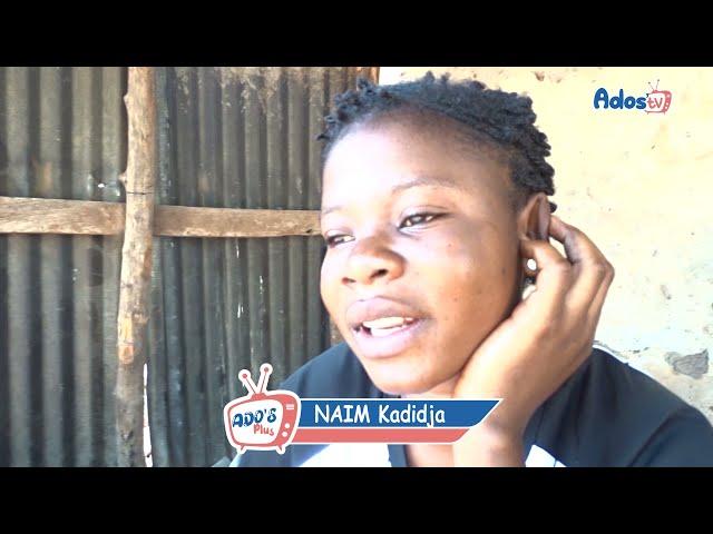 Kadidja, préparatrice de galettes d'arachide