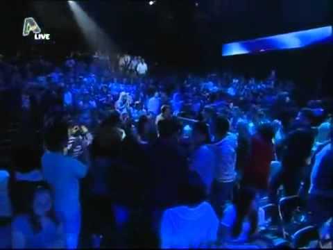 Giannis Ploutarxos   Greek Idol   To Xastouki tis Agaphs  Live 2010
