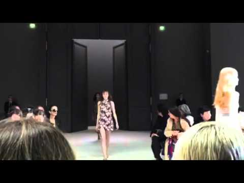 Giambattista Valli Spring 2016 Finale – Paris Fashion Week