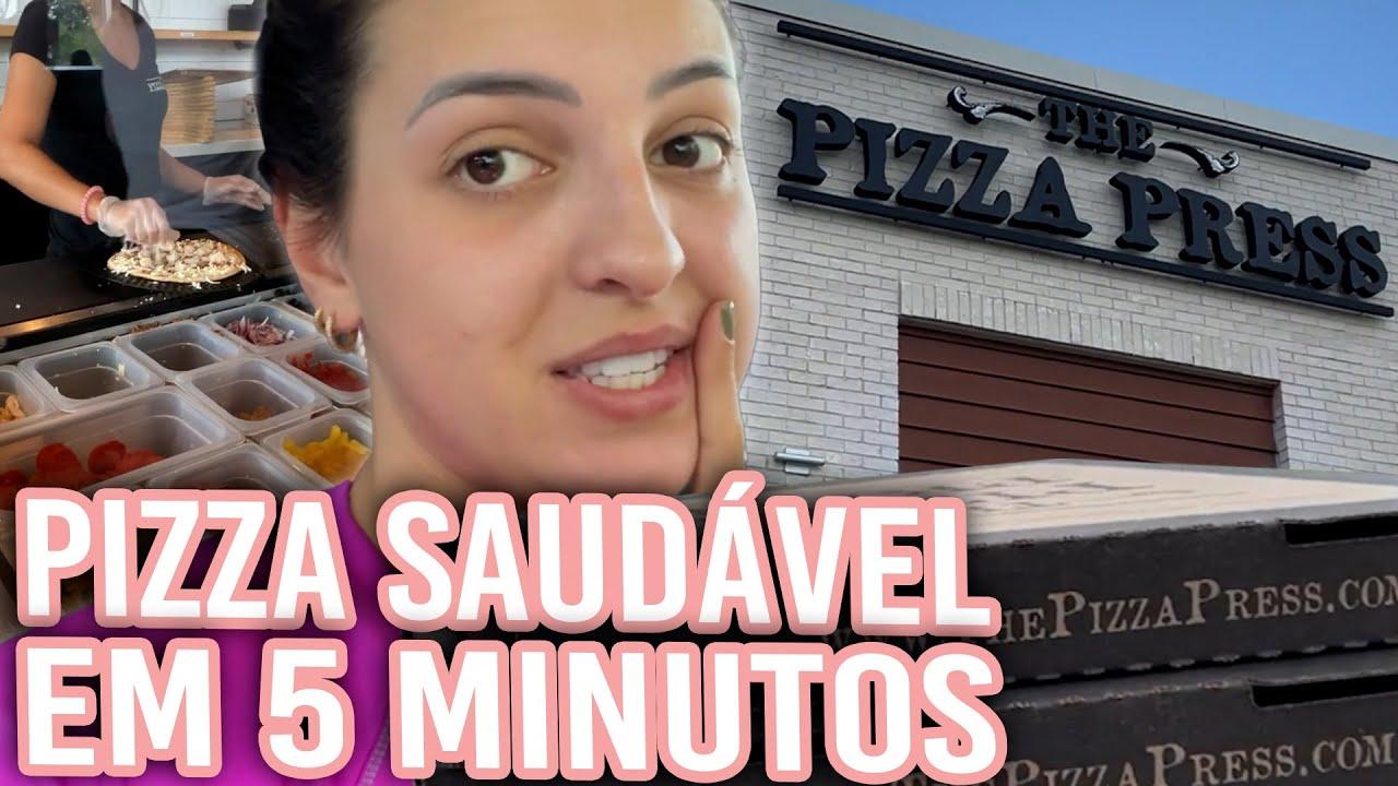 COMPREI UMA PIZZA MUITO DIFERENTE