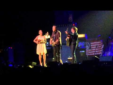 Ryan Adams w/Jason Isbell and Amanda Shires - 16 Days (Ryman Auditorium 04/28/2015)