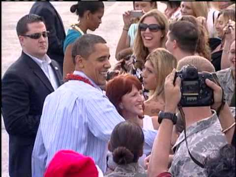 Obama Is Greeted With Aloha