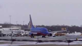 INSANE Southwest 737-700 Full-Power Takeoff and Wing-Wave