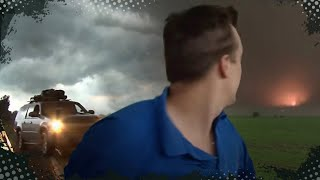 VIDEO INSIDE A TORNADO!!!  Aurora, NE Tornado, June 17, 2009(Follow us on Facebook and Twitter! http://www.facebook.com/ReedTimmerTVN @reedtimmerTVN INSANE video from inside the powerful Aurora, Nebraska ..., 2009-06-22T05:39:33.000Z)