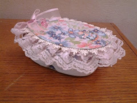 Best out of waste plastic cans transformed to floral oval for Best out of plastic