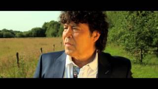 Dennie Christian - Ik kijk je aan Officiële Videoclip