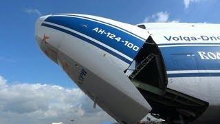 Antonov An 124 Ruslan loading and unloading/nakládání a vykládání Panduru, Dny NATO Days 2013