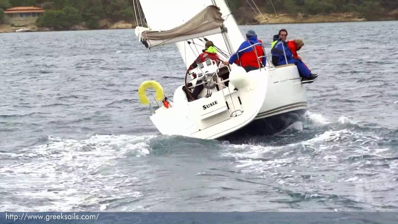 Susie Jeanneau Sun Odyssey 33i Arriving Into Poros