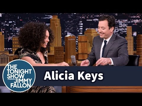Thumbnail: Alicia Keys and The Roots Met and Bonded Over Doughnuts in 1998