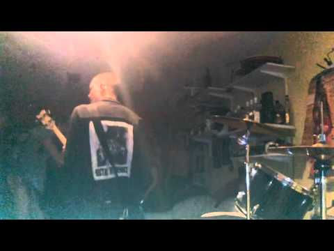 MISOGYNIST live @ éndé's bar, 31 dec 2015