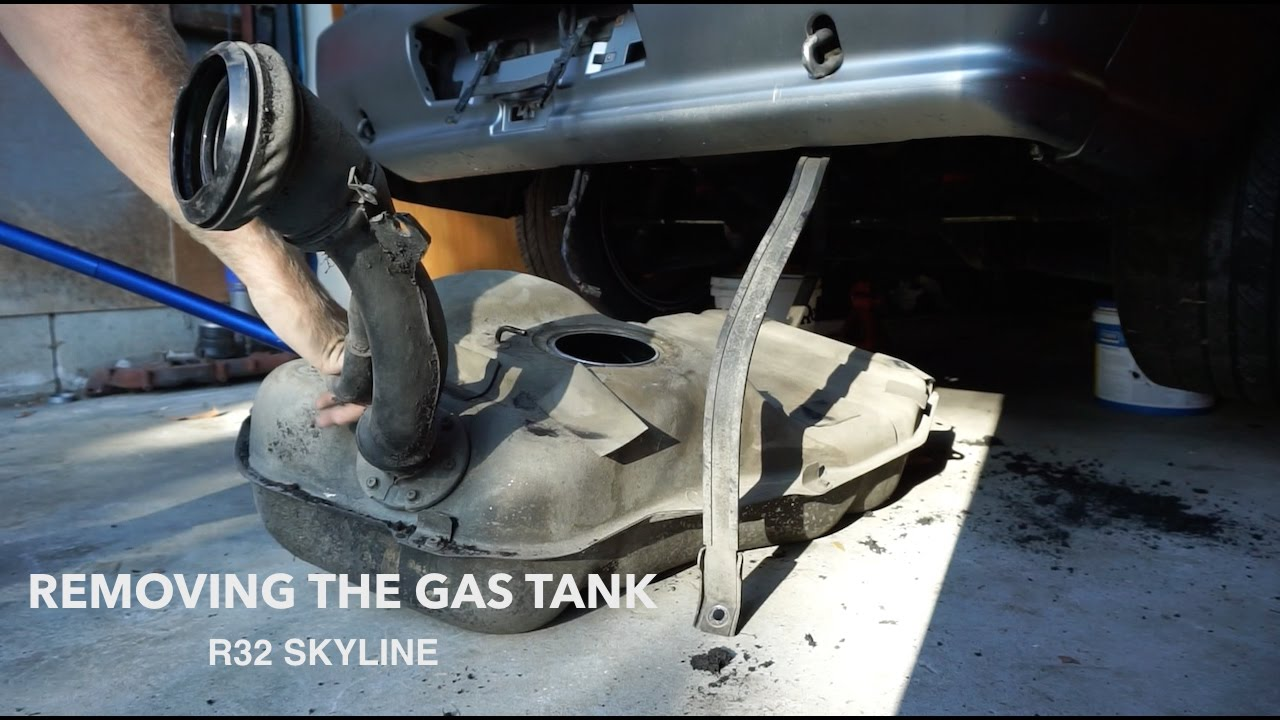 how to remove a r32 skyline gas tank draining the fuel. Black Bedroom Furniture Sets. Home Design Ideas