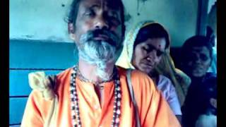 Golemale golemale pirit koro na......baul song in the local trains