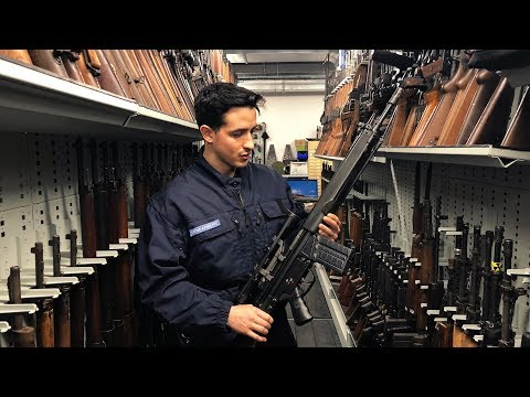 LA COLLECTION D'ARME LA PLUS GRANDE D'EUROPE !!