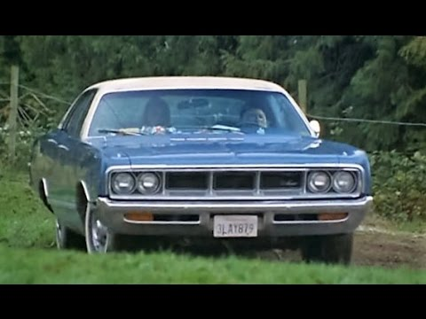 39 69 dodge monaco in freeway ii confessions of a trickbaby youtube. Black Bedroom Furniture Sets. Home Design Ideas