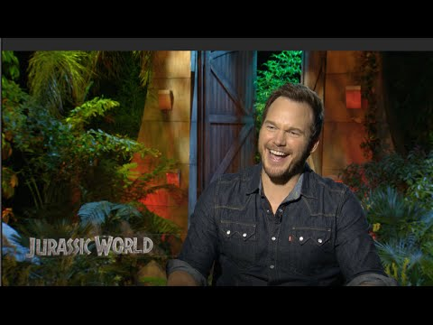JURASSIC WORLD interviews - Chris Pratt, Bryce Dallas Howard, Colin Trevorrow
