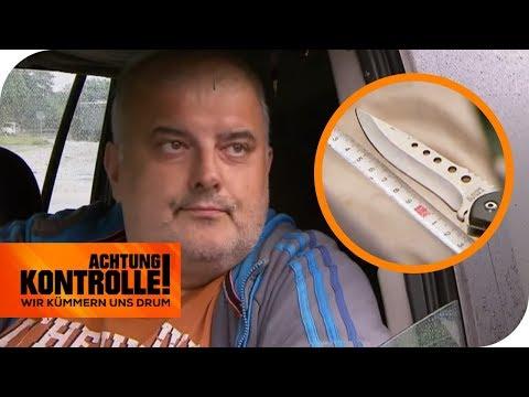 Verbotenes Springmesser bei Kontrolle entdeckt: Mann uneinsichtig! | Achtung Kontrolle | kabel eins