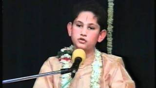 H.H SRI PUNDRIK GOSWAMI JI MAHARAJ 1999 MUMBAI (WHEN HE WAS 11 YEAR OLD)