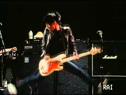The Ramones - Rockaway Beach (live)