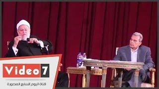 بالفيديو الشيخ علي جمعه يحلل أيجاز بيع الخمر في بلاد غير المسلمين حتي أن كان البائع مسلم