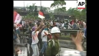 INDONESIA: JAKARTA: ANTI SUHARTO PROTESTS
