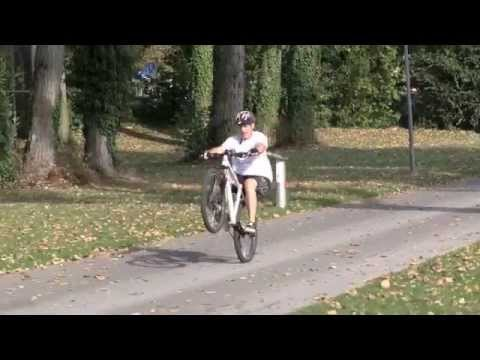 How To Manual With A Bike A Few Key Tricks For Fast Progress Youtube