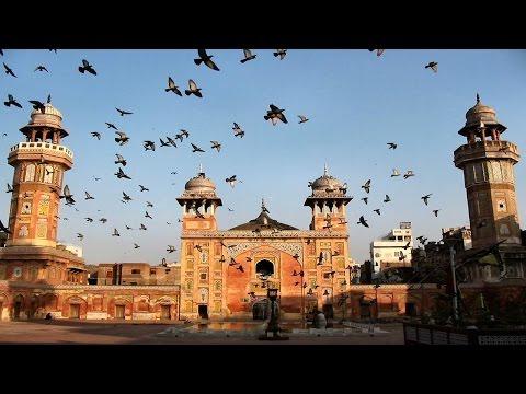 لاہور کی تاریخی مسجد وزیر خان