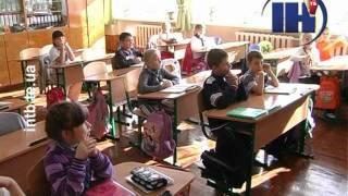 День краваток у Тернопільській ЗОШ №29(Тернопільські школярі одягнули незвичну форму. Впродовж останнього тижня перед осінніми канікулами учні..., 2011-10-18T16:59:56.000Z)