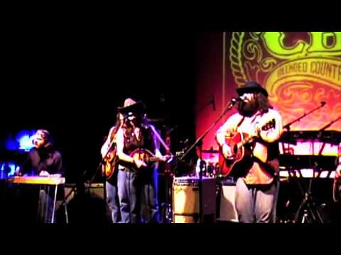 """Citizens Band Radio """"Wagon Wheel"""" Live At Sellersville Theater"""