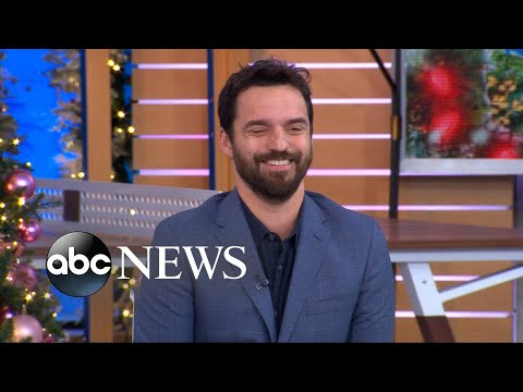 Jake Johnson gets roasted in the 'New Girl' cast's group chat