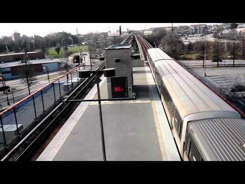 MARTA Gold Line Train arrive@Garnett Station