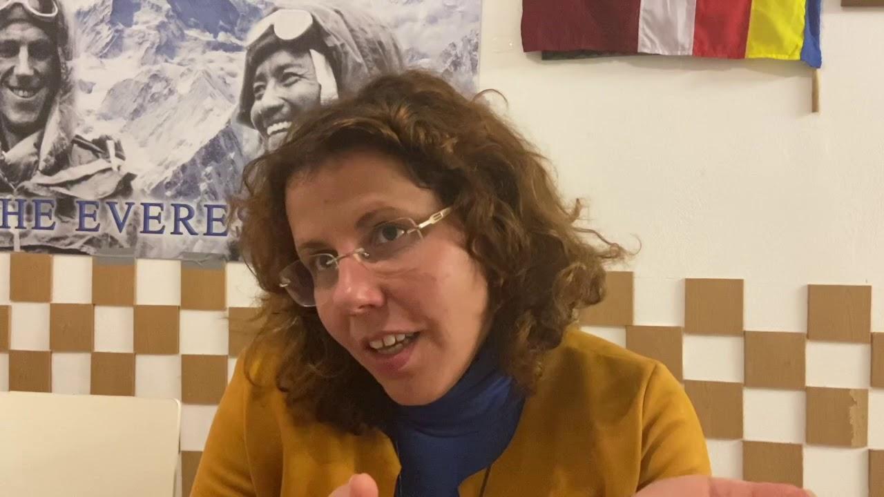 Nepalese immigrant's socio-cultural-economic and political life  in Portugal