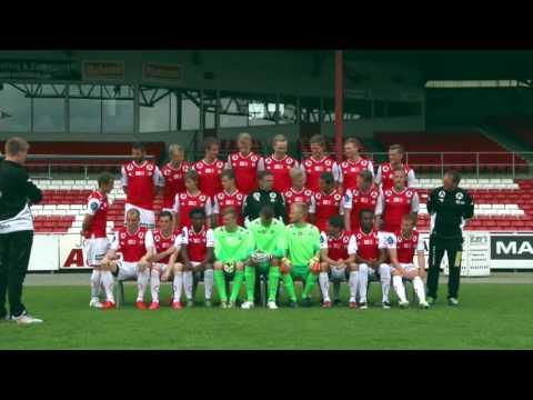 Bryne FK tok lagbilde i full fart