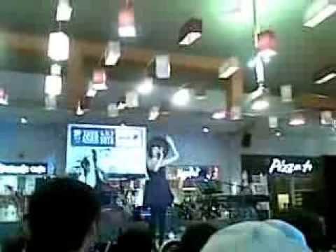 Bandanaira Duo feat Lea Simanjuntak & Irsa Destiwi performing Indonesia Pusaka