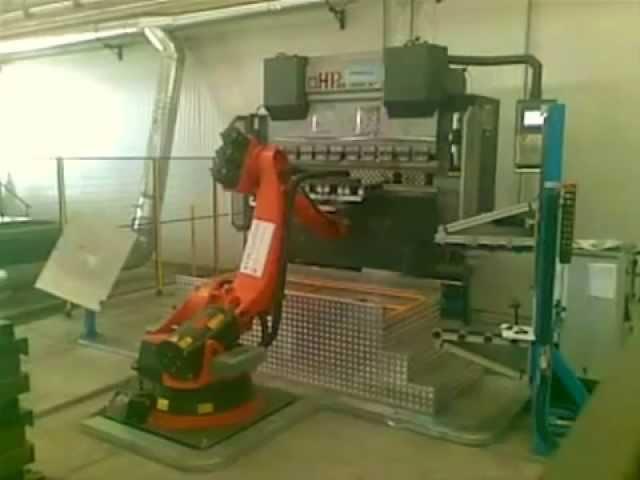 ROBOT - PIEGATURA LAMIERA ROBOTIZZATA