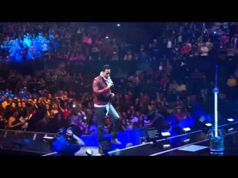 Romeo Santos - Malevo - TheKingStaysKing - Ao vivo desde Madison  Square Garden-NYC- Sold Out!