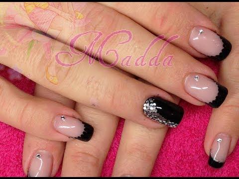 Nail Art capodanno , french e monocolore nero con paiettes e strass