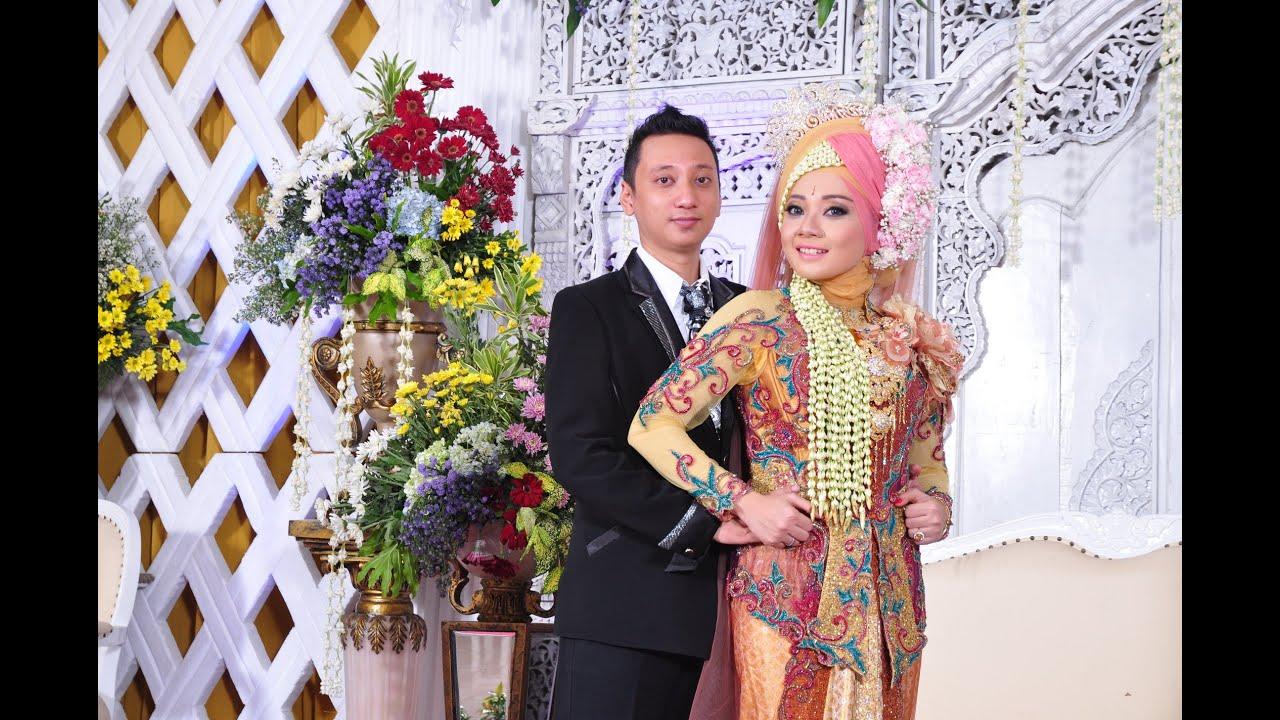 0813-5786-7170 || rias pengantin muslim modern surabaya retno & sandi by  raddin wedding