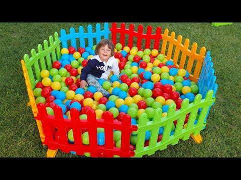 Fatih Selime top havuzu ve 500 tane renkli top aldık bahçeye top havuzu kuruyoruz parkımız çok büyük