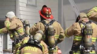 Big House Fire - Victorian Home Burns In Modesto, California - 2 Firefighters Injured - Modesto News