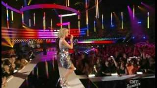 Kellie Pickler Best Days Of Your Life Live!!!!(with lyrics)