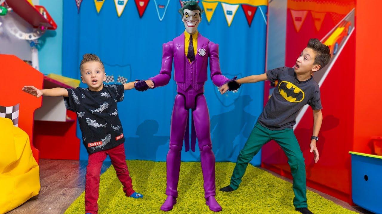 У Каждого СВОЯ СУПЕРСИЛА Папа в ШОКЕ ! Everyone has their own superpower DC kids toys